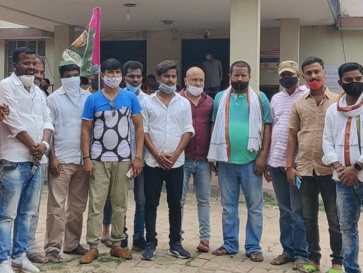 पूर्व सांसद पप्पू यादव की रिहाई के लिए खुद थाना पहुंच गए जाप कार्यकर्ता, SHO बोला- कोरोना को लेकर नहीं मिला है आदेश बिहार,Bihar - Dainik Bhaskar