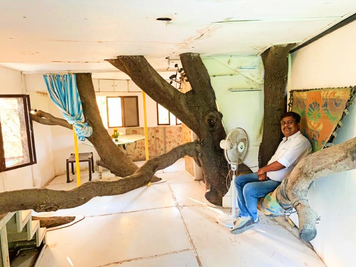 ट्री हाउस में आराम करते केपी सिंह के परिजन।
