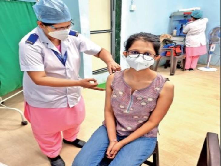 मिलोनी ने कोवैक्सीन लगवाई है। - Dainik Bhaskar