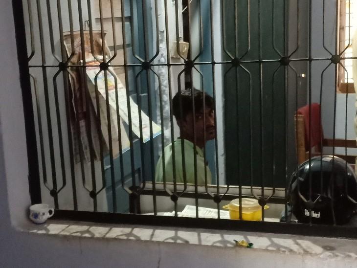 कोविड वार्ड के पास युवक ने नर्स से की छेड़छाड़, मैसेज कर बात करने का बना रहा था दबाव, आरोपी गिरफ्तार|सागर,Sagar - Dainik Bhaskar