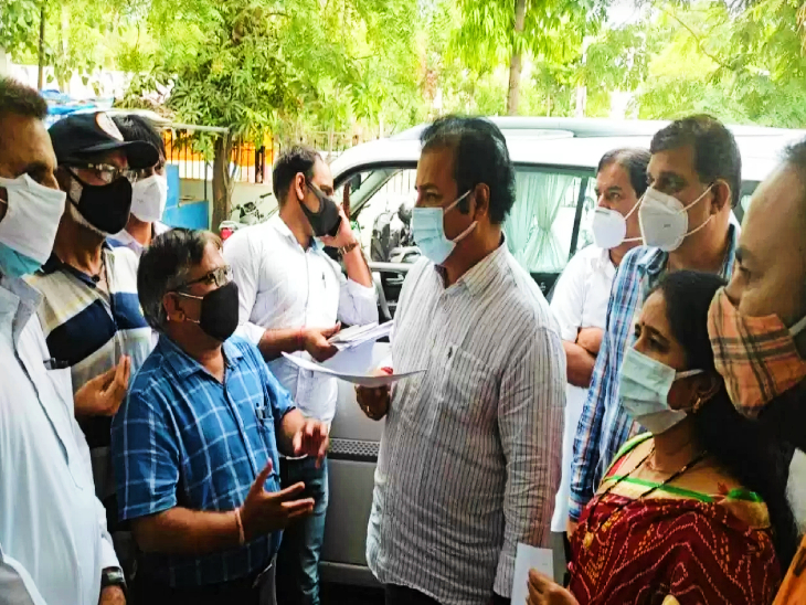 राज्य सरकार से टेंट व्यापारियों ने मांगी रियायत, कहां 11 से बढ़ाकर 200 मेहमानों को समारोह में बुलाने की जारी करें अनुमति|उदयपुर,Udaipur - Dainik Bhaskar