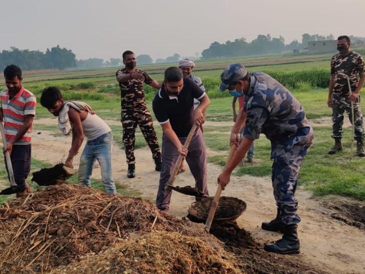 बिहार से सटे नेपाल बॉर्डर पर दोनों देशों के जवानों ने लोगों को किया जागरूक, नोमेंस लैंड को कचरा मुक्त किया|बिहार,Bihar - Dainik Bhaskar