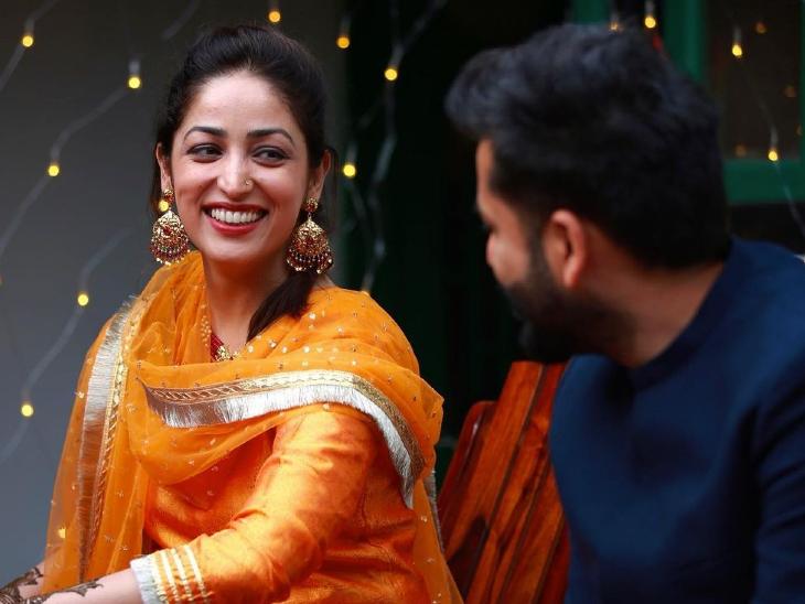 शादी के बाद यामी गौतम ने शेयर की मेहंदी की तस्वीरें, लिखा- ओ मेरी प्यारी, क्यों चिंता करनी? जो तुम्हारे लिए बना, वह तुम्हें हमेशा ढूंढ लेगा|बॉलीवुड,Bollywood - Dainik Bhaskar