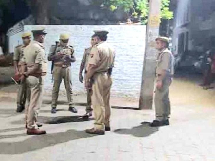 घर के बाहर टहल रहे युवक को बाइक सवार गोली मारकर फरार, इलाके में दहशत; घायल लखनऊ रेफर|झांसी,Jhansi - Dainik Bhaskar