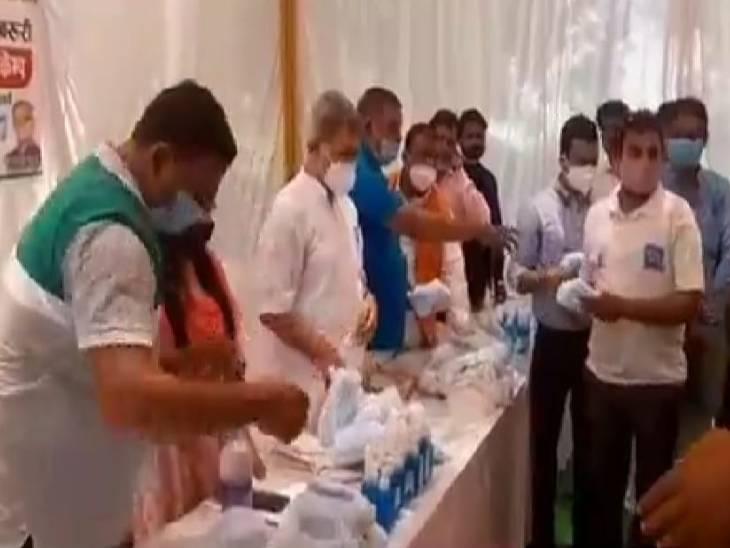 अयोध्या विधानसभा के 54 ग्राम सभाओं में 4000 लोगों ने करायी कोरोना की जांच, बांटे गए मास्क व सैनिटाइजर|लखनऊ,Lucknow - Dainik Bhaskar