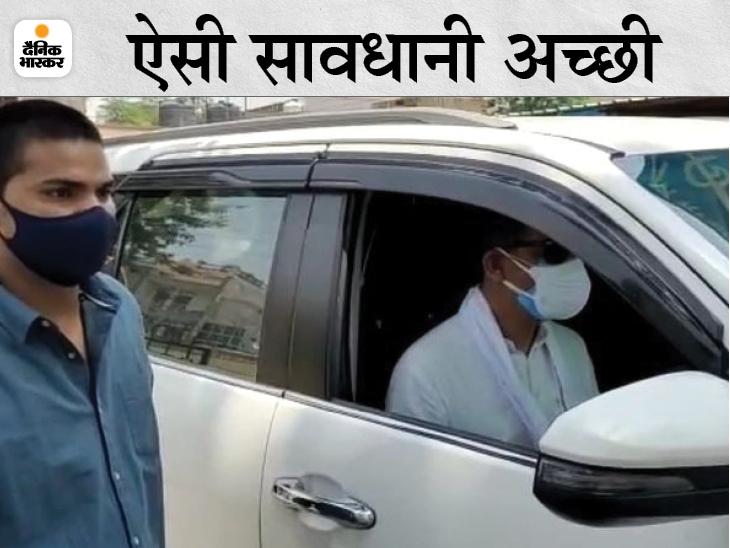 अकेले कार चलाकर जाते हैं अस्पतालों का निरीक्षण करने, पीए के लिए लगा रखी दूसरी गाड़ी; माला पहनने से भी बच रहे|अलवर,Alwar - Dainik Bhaskar