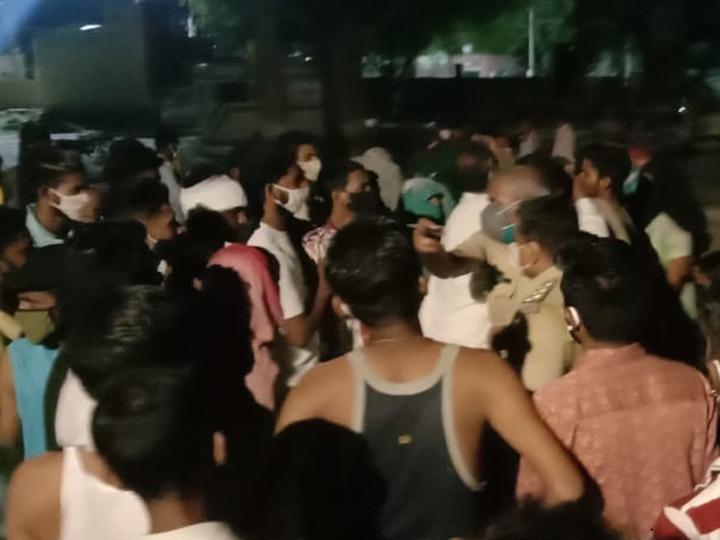 इंदिरा रसोई में खाना पैक कराने के दौरान मजदूर का आरोपी से हुआ था मामूली विवाद, परिजनों ने किया अस्पताल में हंगामा|श्रीगंंगानगर,Sriganganagar - Dainik Bhaskar