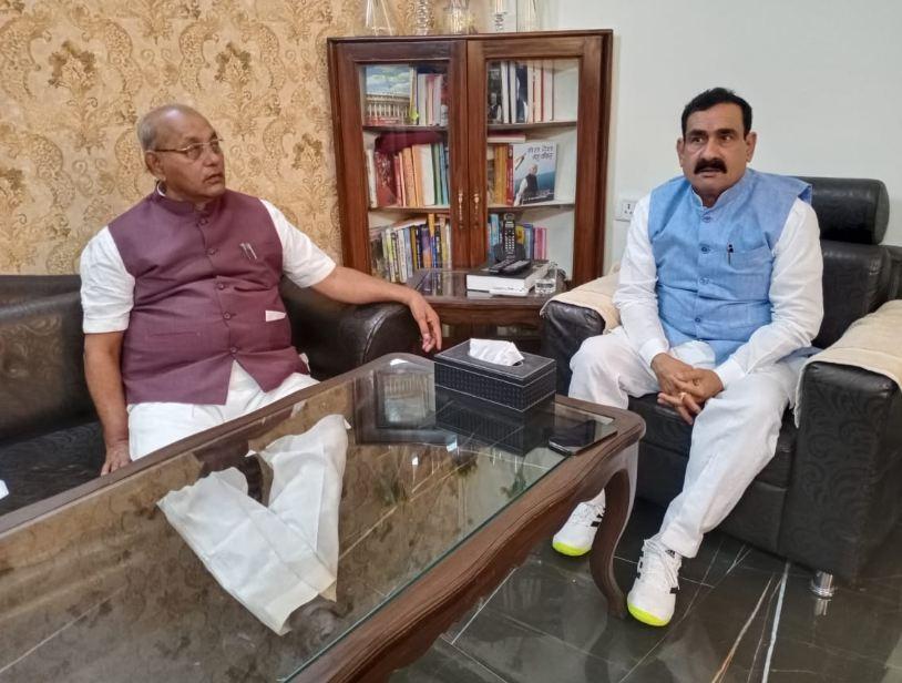 भाजपा-कांग्रेस के कई MLA राजधानी पहुंचे, नव गठित समितियों पर होगी चर्चा; स्पीकर और गृहमंत्री में हुई मुलाकात|मध्य प्रदेश,Madhya Pradesh - Dainik Bhaskar