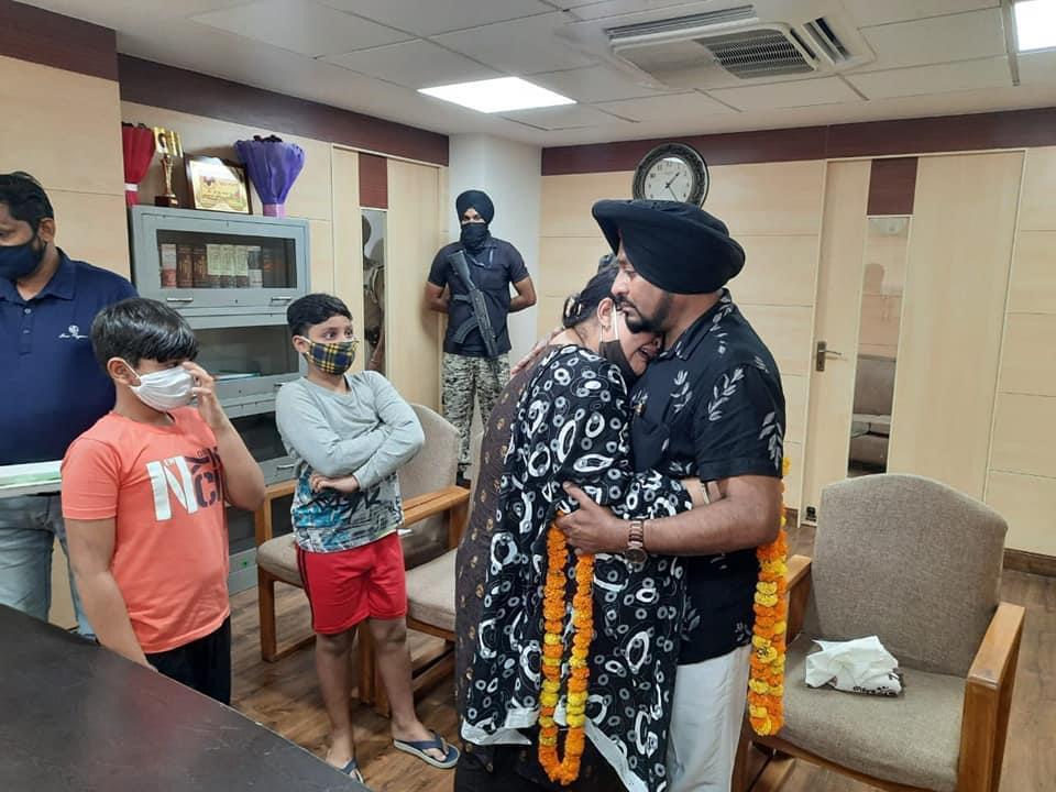 मशहूर गायक लैहंबर हुसैनपुरी का पत्नी-बच्चों से झगड़ा सुलझा, रिश्तेदारों को फैमिली से दूर रहने को कहा गया जालंधर,Jalandhar - Dainik Bhaskar
