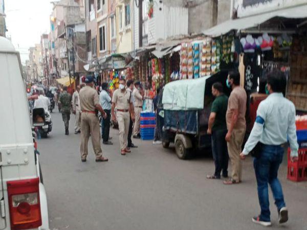 बावड़ियां कला, रोहित नगर, विद्या नगर में अब अन्य वार्डों की तरह दुकानें खुल सकेंगी, 70 से अधिक केस होने से 1 जून से था प्रतिबंध भोपाल,Bhopal - Dainik Bhaskar