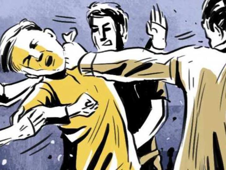 गोविंद मित्रा रोड में श्याम फार्मा के मालिक पर हमला कर 1.70 लाख अपराधियों ने लूटा, भागने के दौरान लोगों ने 1 को दबोचा, 2 फरार|बिहार,Bihar - Dainik Bhaskar