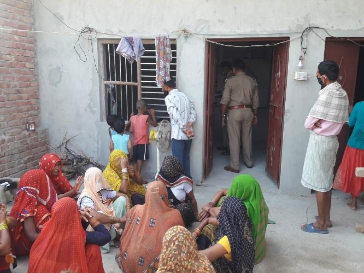 चचेरे भाई ने पहले साथ छलकाए जाम, फिर 12 फीट ऊंची छत से फेंका-मौत, पति का हाल देख पत्नी के उड़े होश|मथुरा,Mathura - Dainik Bhaskar