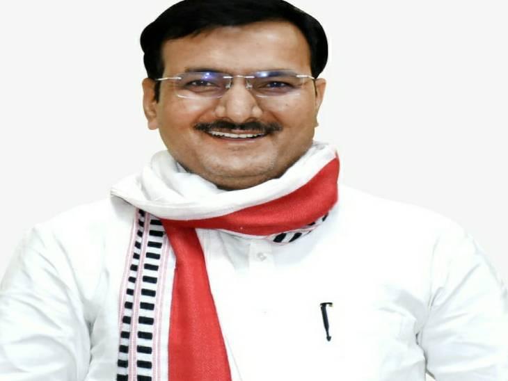 सतीश द्विवेदी ने अपनी पीठ थपथपाई, कहा- 3 साल में पांचवे ग्रेड से पहले ग्रेड में पहुंची UP की बेसिक शिक्षा व्यवस्था लखनऊ,Lucknow - Dainik Bhaskar