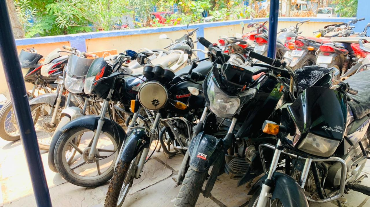 बुधनी, भोपाल, इटारसी से चोरी की गई 7 बाइक मिलीं, हिस्ट्रीशीटर मनोज बंगाली फरार बैतूल,Betul - Dainik Bhaskar