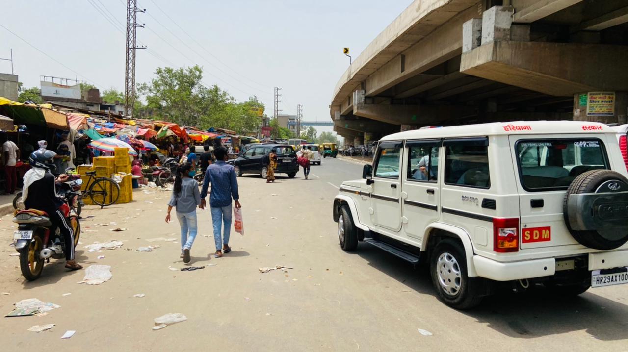 फरीदाबाद। बल्लभगढ़ की SDM ने कहा अवैध पार्किंग किसी भी सूरत में नहीं होने दी जाएगी। - Dainik Bhaskar