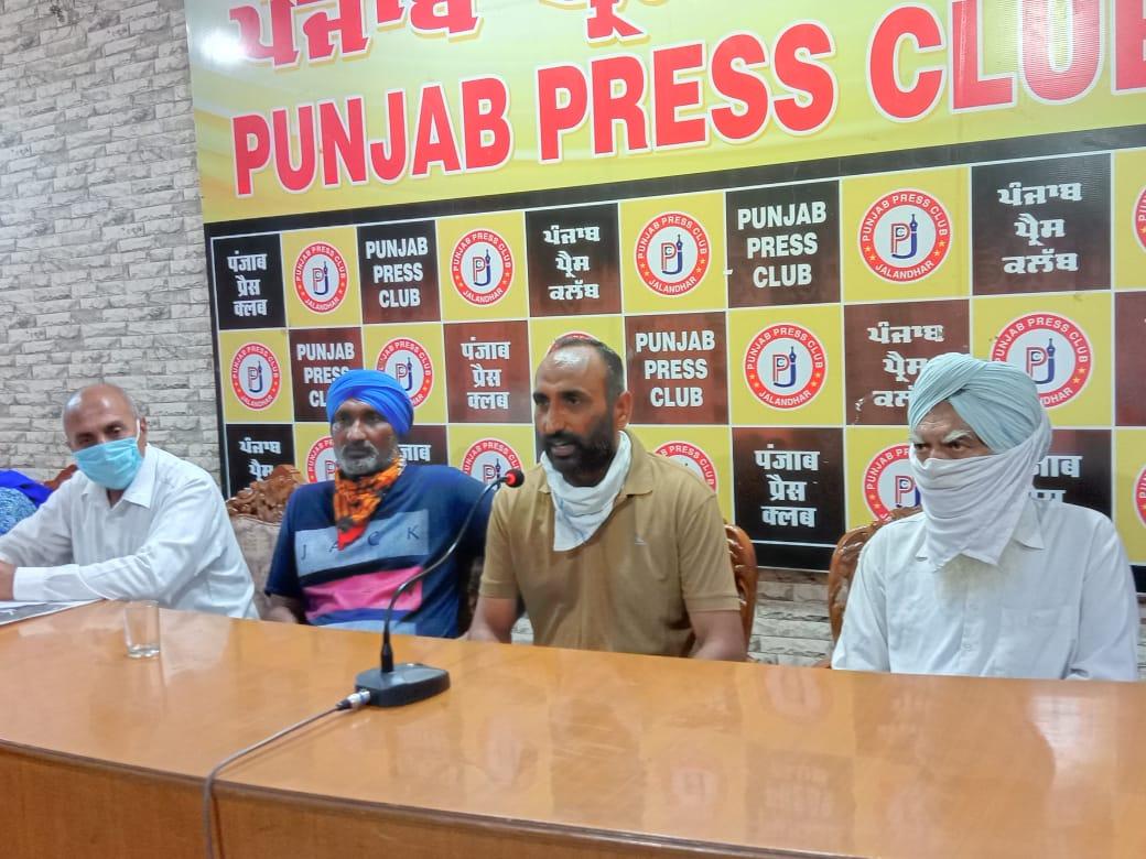 पंचायत मेंबर बोले- कांग्रेसी होने की वजह से गोलियां चलाने वाले सरपंच को नहीं पकड़ रही पुलिस, SHO की सफाई - अभी जारी है जांच|जालंधर,Jalandhar - Dainik Bhaskar
