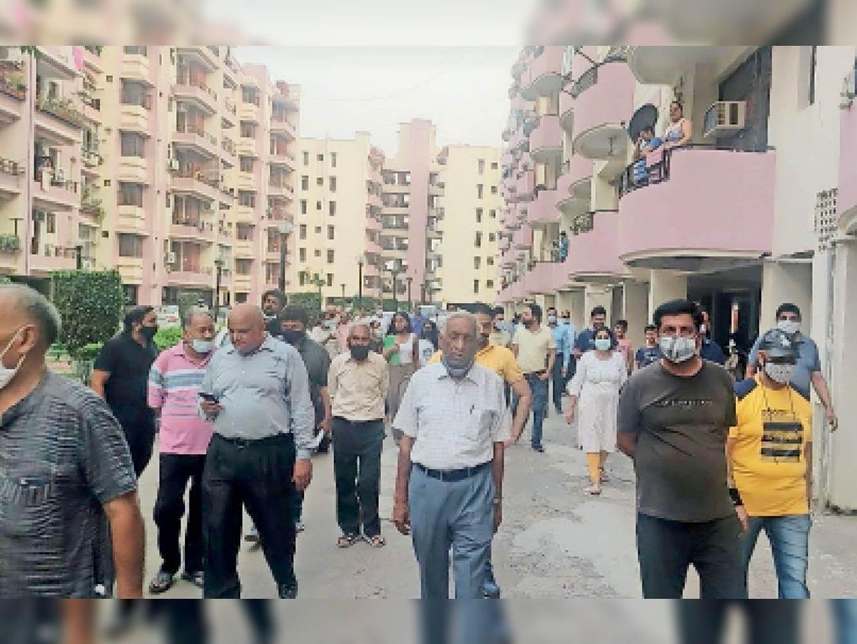 राॅयल इस्टेट सोसायटी में लिफ्ट गिरी, पांच लोग थे लिफ्ट के अंदर, एक को लगी चोट|जीरकपुर,Zirakpur - Dainik Bhaskar