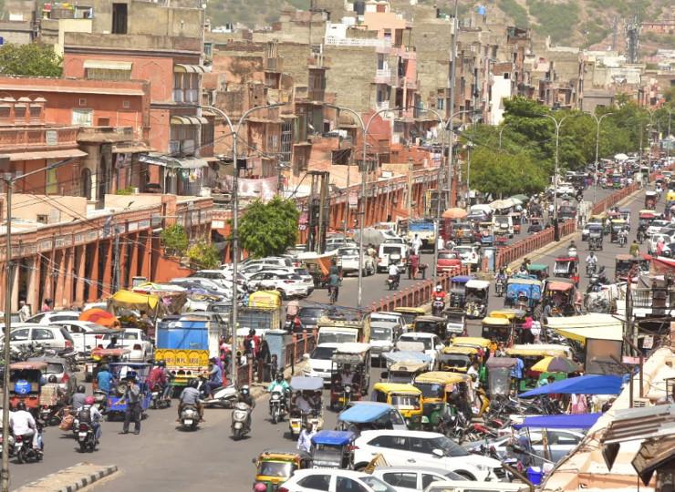 अनलॉक में 53 दिन बाद शाम 4 बजे तक खुले बाजार, सड़कों पर बेतहाशा भीड़, व्यापारियों के चेहरों पर नजर आई खुशी|जयपुर,Jaipur - Dainik Bhaskar