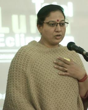 स्कूलों में एडमिशन के दौरान आधार कार्ड की अनिवार्यता हुई खत्म|गुड़गांव,Gurgaon - Dainik Bhaskar