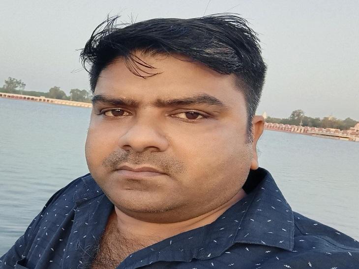 बाइक रोककर सड़क किनारे खड़े अटल सेवा केंद्र संचालक के पेट पर कट्टा अड़ाकरदो बदमाशों ने लूटी नकदी|पानीपत,Panipat - Dainik Bhaskar
