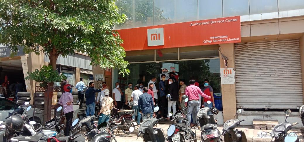 दुकानों पर भीड़ दिखी, लॉकडाउन से परेशान व्यापारी संघ ने नियम का पालन करवाने की जिम्मेदारी ली|राजस्थान,Rajasthan - Dainik Bhaskar