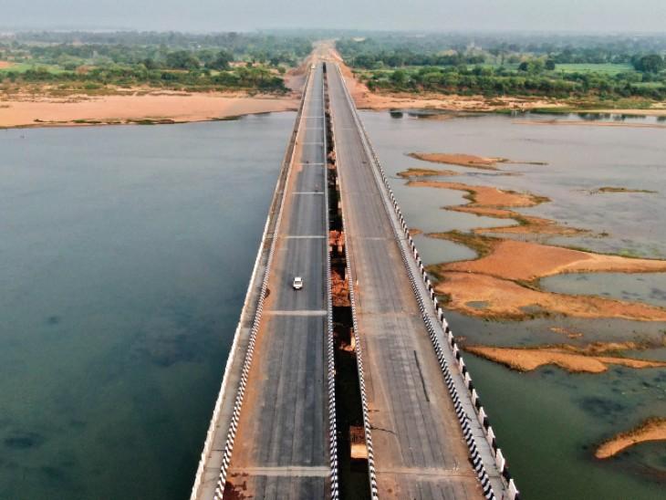 पहला ब्रिज जिस पर नर्मदा दर्शन के लिए गैलरी होशंगाबाद,Hoshangabad - Dainik Bhaskar