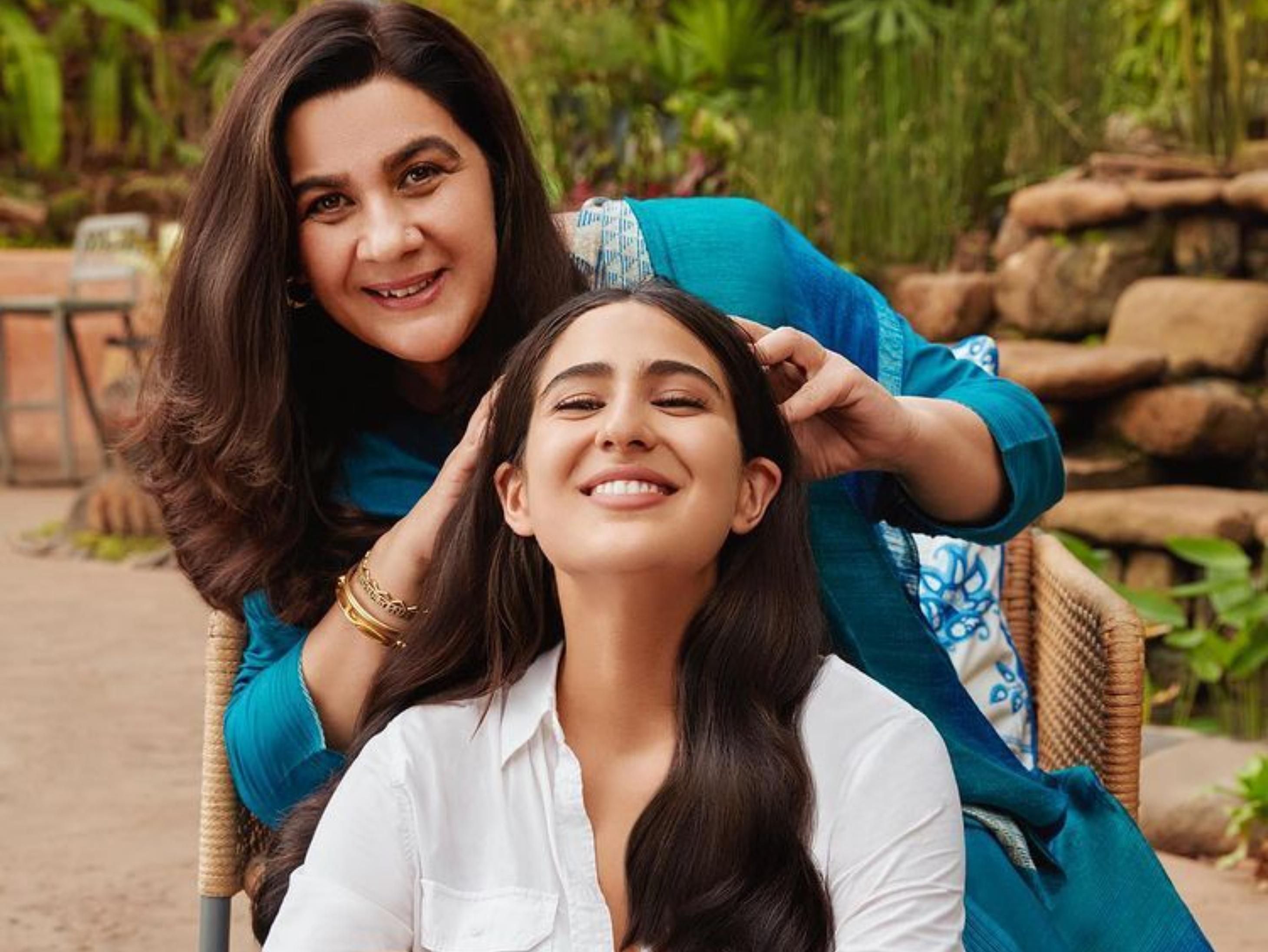 Sara Ali Khan First Time share screen space with mom Amrita Singh For an ad film | सारा के साथ नजर आएंगी अमृता सिंह; 30 साल बाद विज्ञापन किया, एक्ट्रेस ने चम्पी करवाती फोटो की शेयर