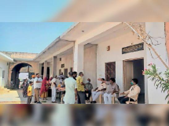 ओसियां क्षेत्र के जिन दुकानदारों ने टीकाकरण नहीं कराया, उन्हें दुकानें खोलने नहीं दी जाएगी जोधपुर,Jodhpur - Dainik Bhaskar
