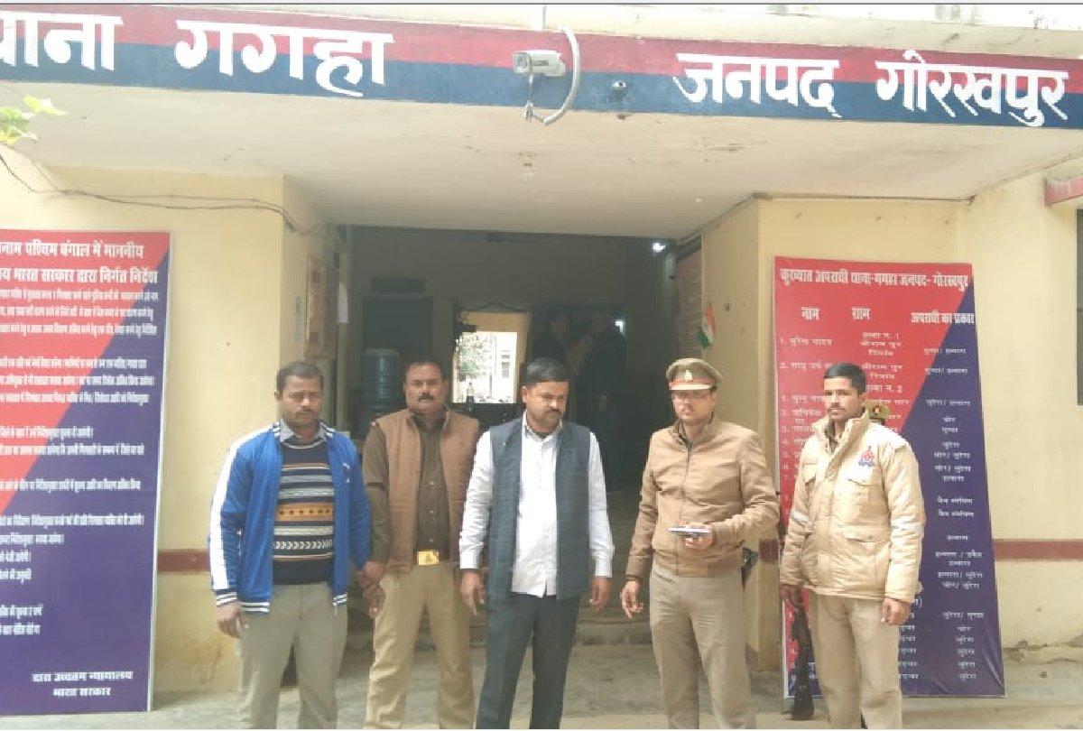 मना करने पर कार सवारों ने पीटा, 92 हजार रुपए व अंगूठी भी छीन ले गए कार सवार; जांच में जुटी पुलिस गोरखपुर,Gorakhpur - Dainik Bhaskar
