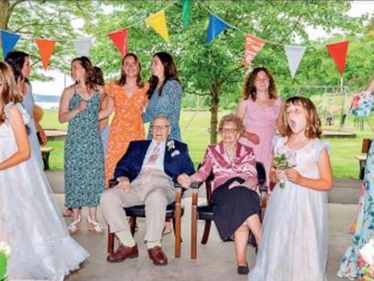 95 की उम्र में जोड़े ने रचाई शादी, बोले- अगर हमारी उम्र 5 साल भी बची है तो क्यों न हम ये वक्त साथ बिताएं|विदेश,International - Dainik Bhaskar