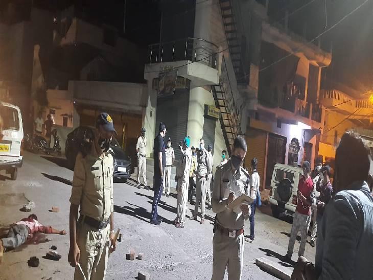7 आरोपियों को पुलिस ने दबोचा, दो आरोपी मेडिकल में इलाज करा रहे, हत्या में प्रयुक्त तलवार, बेसबॉल और डंडा आदि जब्त|जबलपुर,Jabalpur - Dainik Bhaskar