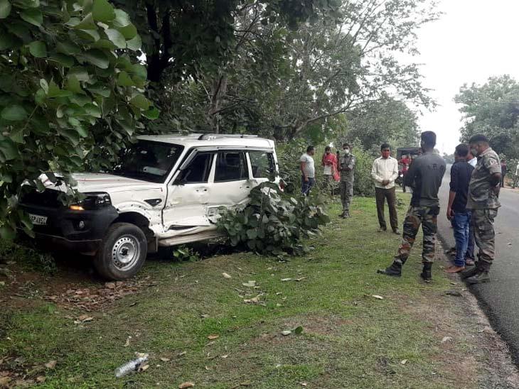 पुलिस और स्थानीय लोगों की मदद से घायलों को अस्पताल पहुंचाया गया। - Dainik Bhaskar