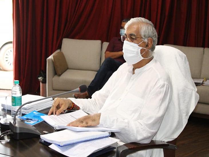 स्वास्थ्य मंत्री सिंहदेव ने कहा है कि  राज्य सरकार केंद्र से वैक्सीन मिलने पर उनके इस्तेमाल को लेकर एक नीति बना सकती है। फाइल फोटो। - Dainik Bhaskar