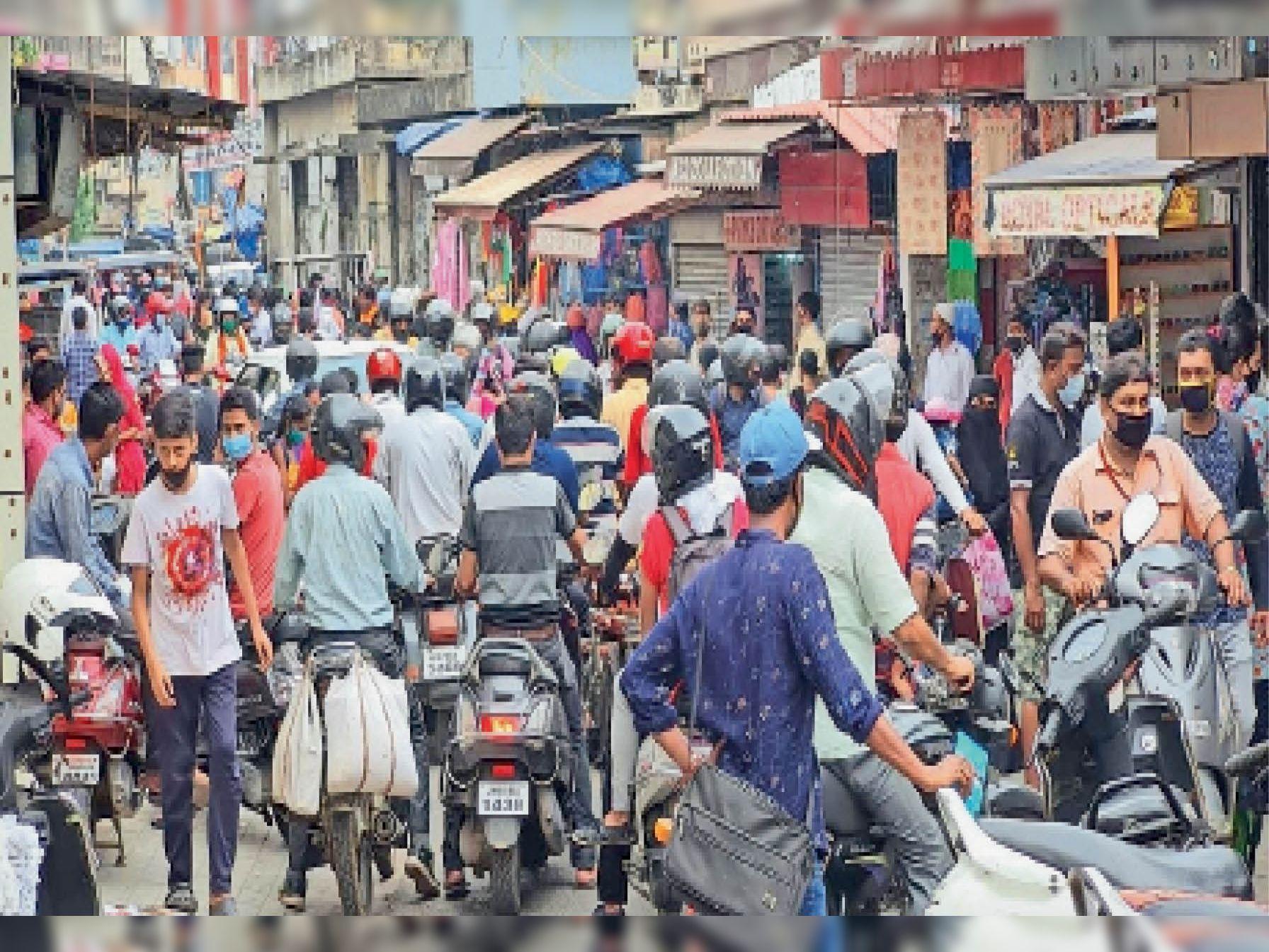 एक दिन पहले 700% मरीज बढ़े, अगले ही दिन 700 फीसदी घट भी गए जमशेदपुर,Jamshedpur - Dainik Bhaskar