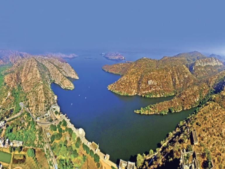 झील के 7 टापू और किनारे बसे 8 गांवों में रहने वाले 7 हजार लोगों में कोई संक्रमित नहीं|उदयपुर,Udaipur - Dainik Bhaskar
