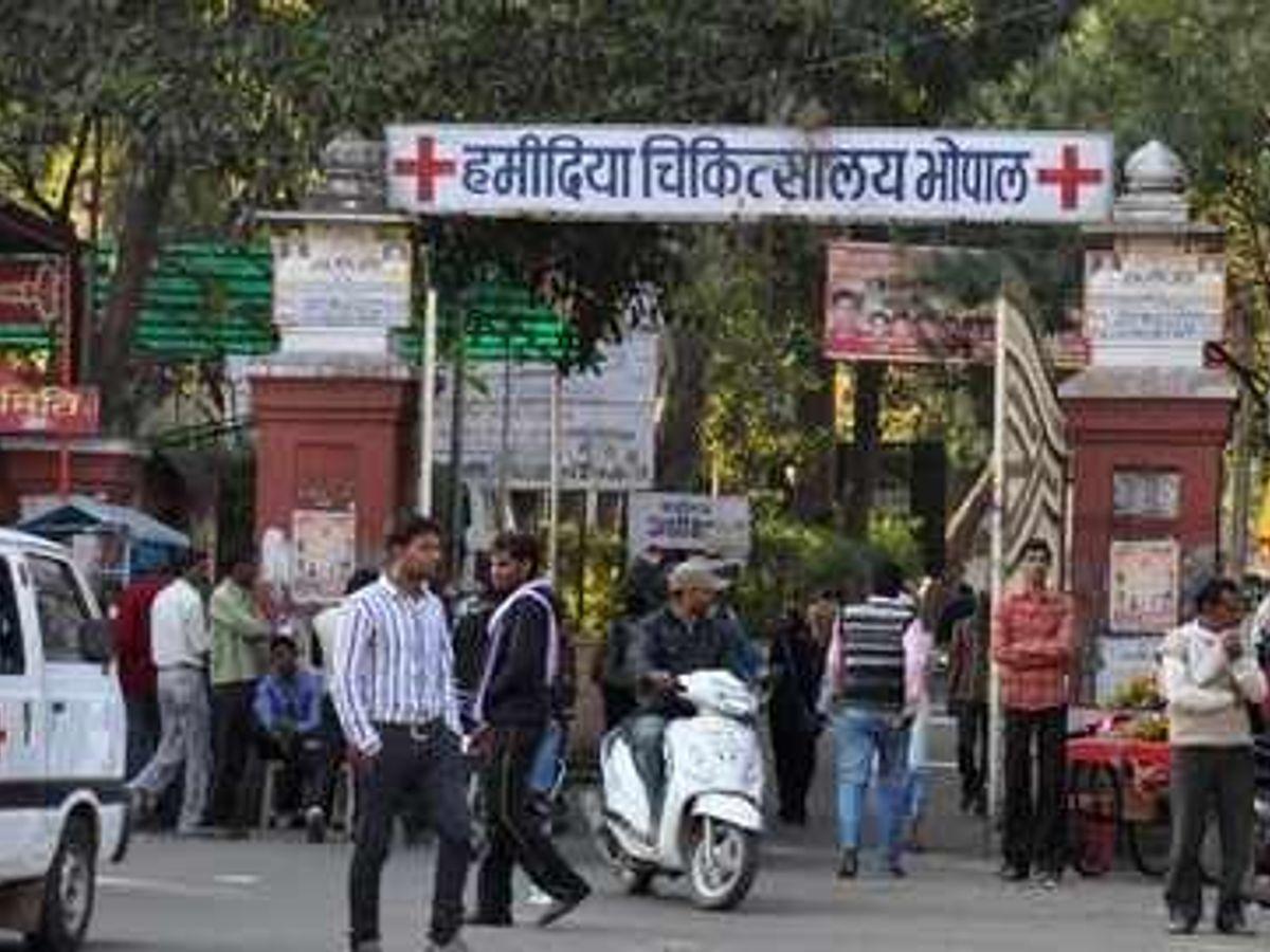 49 दिन बाद जागे... सीएमएचओ ने प्राइवेट अस्पतालों से पूछा- चोरी हुए इंजेक्शन लगाए हों तो बता दें भोपाल,Bhopal - Dainik Bhaskar