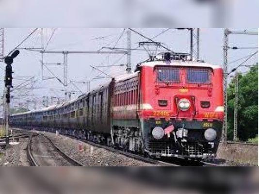 फिरोजपुर मंडल ने शुरू की दो जोड़ी ट्रेन, 14 को श्रीमाता वैष्णो देवी कटरा से चलेगी हेमकुंट एक्स.|पठानकोट,Pathankot - Dainik Bhaskar
