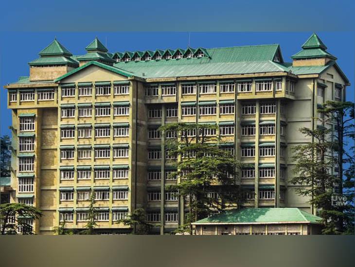 हिमाचल प्रदेश हाईकोर्ट का परिसर, जहां ऊना जिले में अवैध खनन के खिलाफ याचिका लगी है। - Dainik Bhaskar