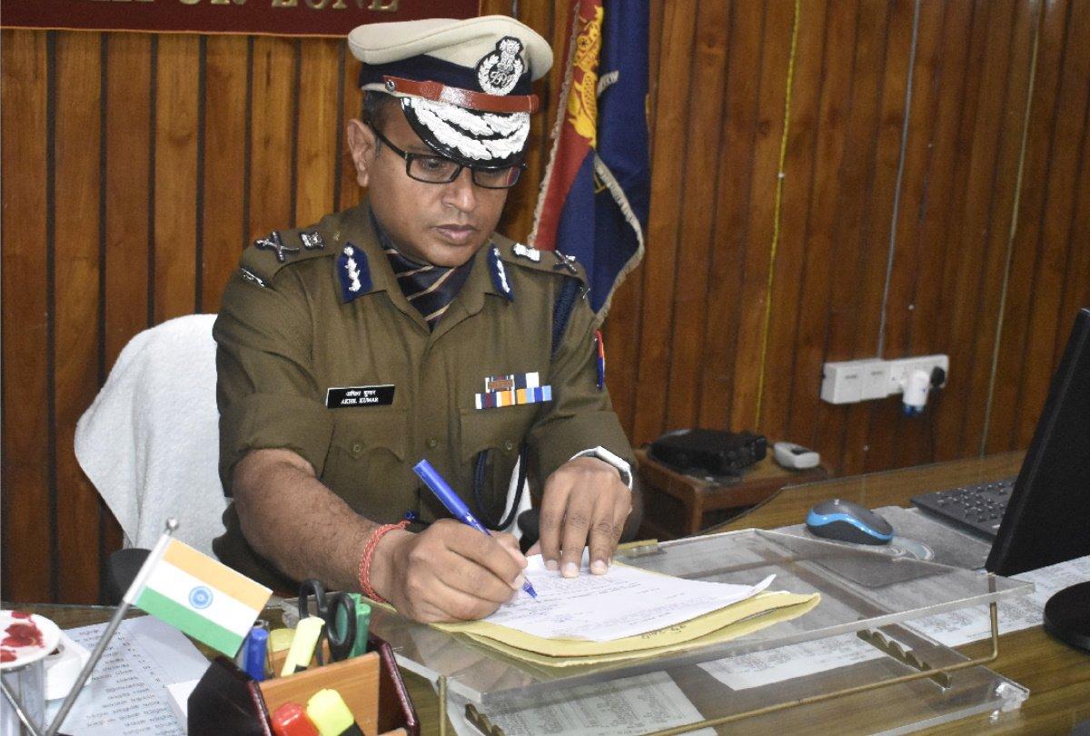 'ऑपरेशन तमंचा' पर गोरखपुर पुलिस ने की ताबड़तोड़ कार्रवाई, फायरिंग करने वाले और असलहों के साथ कई बदमाश गिरफ्तार गोरखपुर,Gorakhpur - Dainik Bhaskar