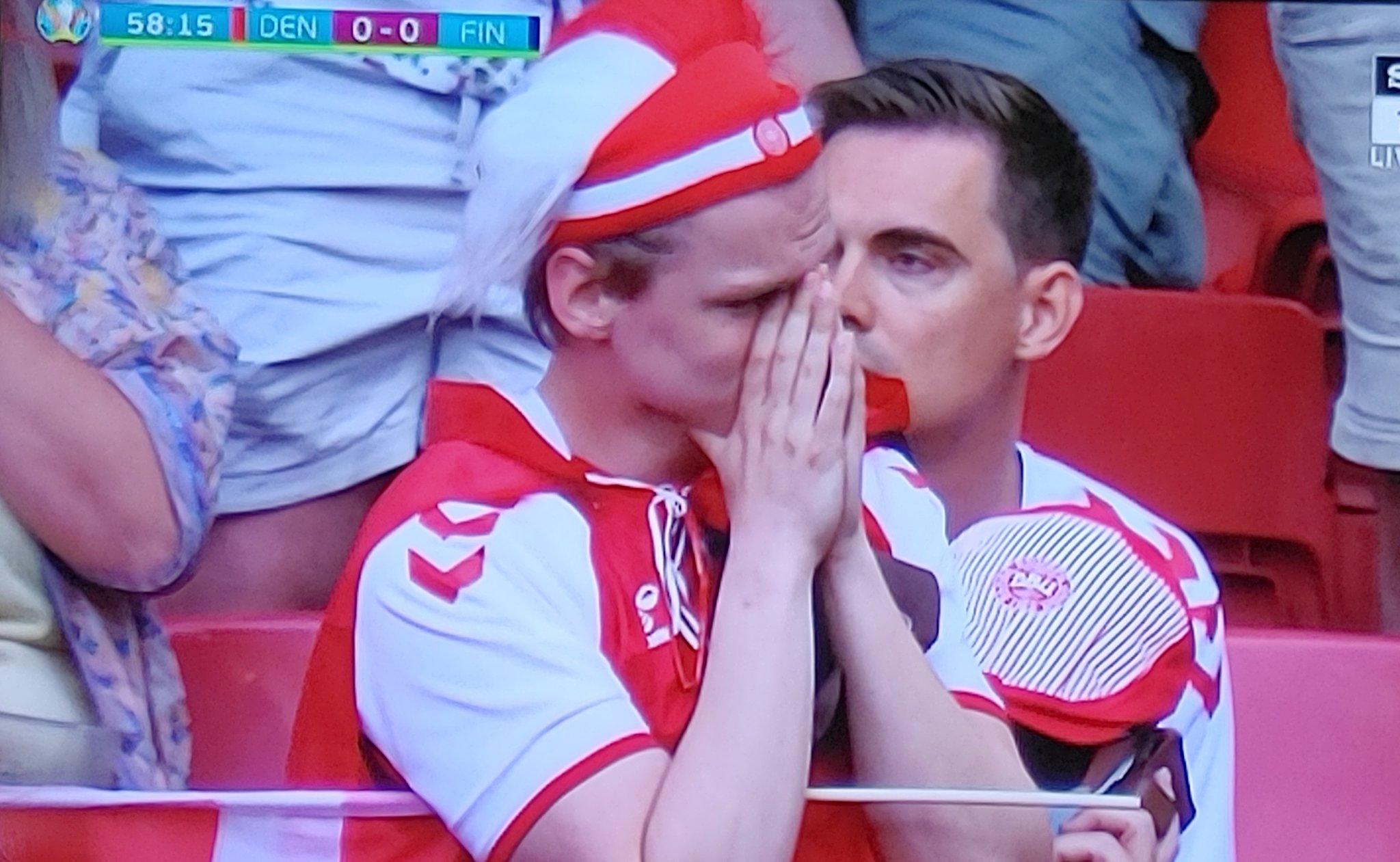 फैन्स भी रोने लगे थे।