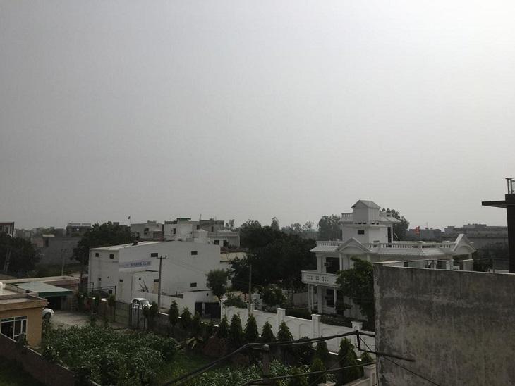 हवाओं ने सुहावना किया मौसम, दो डिग्री गिरा तापमान, आजदिन में बादल और रात में बारिश के आसार|पानीपत,Panipat - Dainik Bhaskar