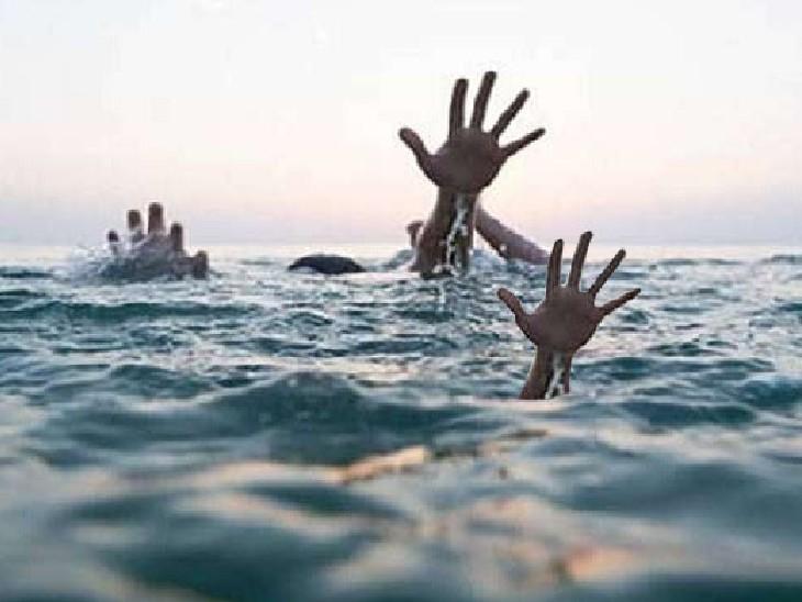 भोजपुर में स्नान करने गई थीं चार सहेलियां; गहराई में पैर फिसलने से डूब गईं, एक को स्थानीय लोगों ने बचाया|भोजपुर,Bhojpur - Dainik Bhaskar