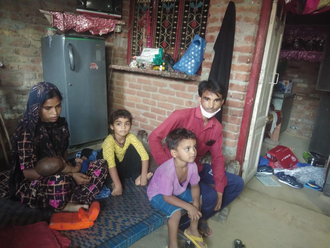 तमंचे और तलवार से डराकर परिवार को बनाया बंधक, लाखों के जेवर, नकदी लूटकर हुए फरार बरेली,Bareilly - Dainik Bhaskar
