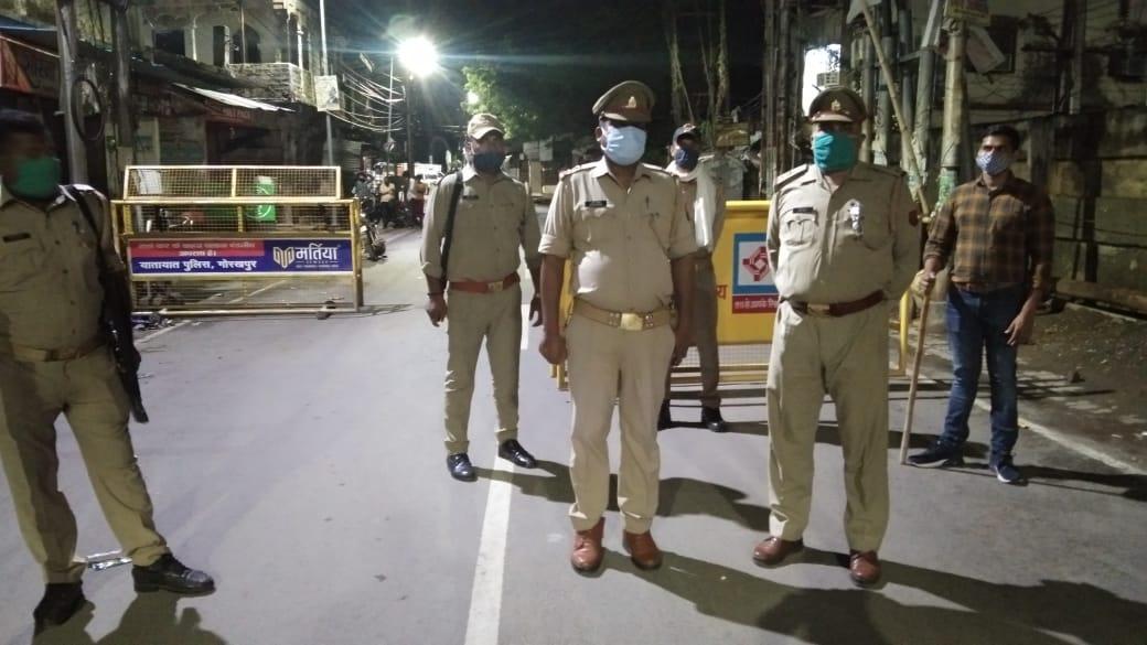 पूरी रात पुलिस को छकाते रहे कुशीनगर के पशु तस्कर, मुठभेड़ में कई राउंड फायरिंग फिर भी बचकर निकल गए|गोरखपुर,Gorakhpur - Dainik Bhaskar