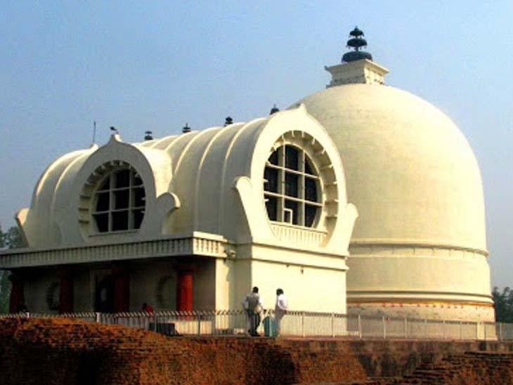 हरीबाला नामक बौद्ध भिक्षु गुप्त काल के दौरान यह प्रतिमा मथुरा से कुशीनगर लाई गई थी।