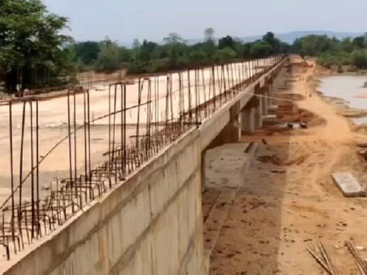छिंदनार के ही बड़े करका घाट में सुरक्षा बलों का दूसरा कैम्प स्थापित हुआ और इस जगह अभी पुल निर्माण की शुरुआत हुई है। पाहुरनार व करका घाट की दूरी महज एक किमी ही है।