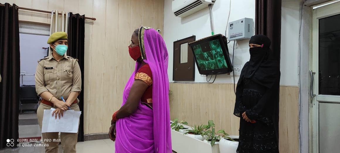 खुद को टीवी चैनल का पत्रकार बताकर पहले महिला को झांसे में लिया, बाद में चुनाव जिताने का लालच देकर ऐंठ ली रकम बरेली,Bareilly - Dainik Bhaskar