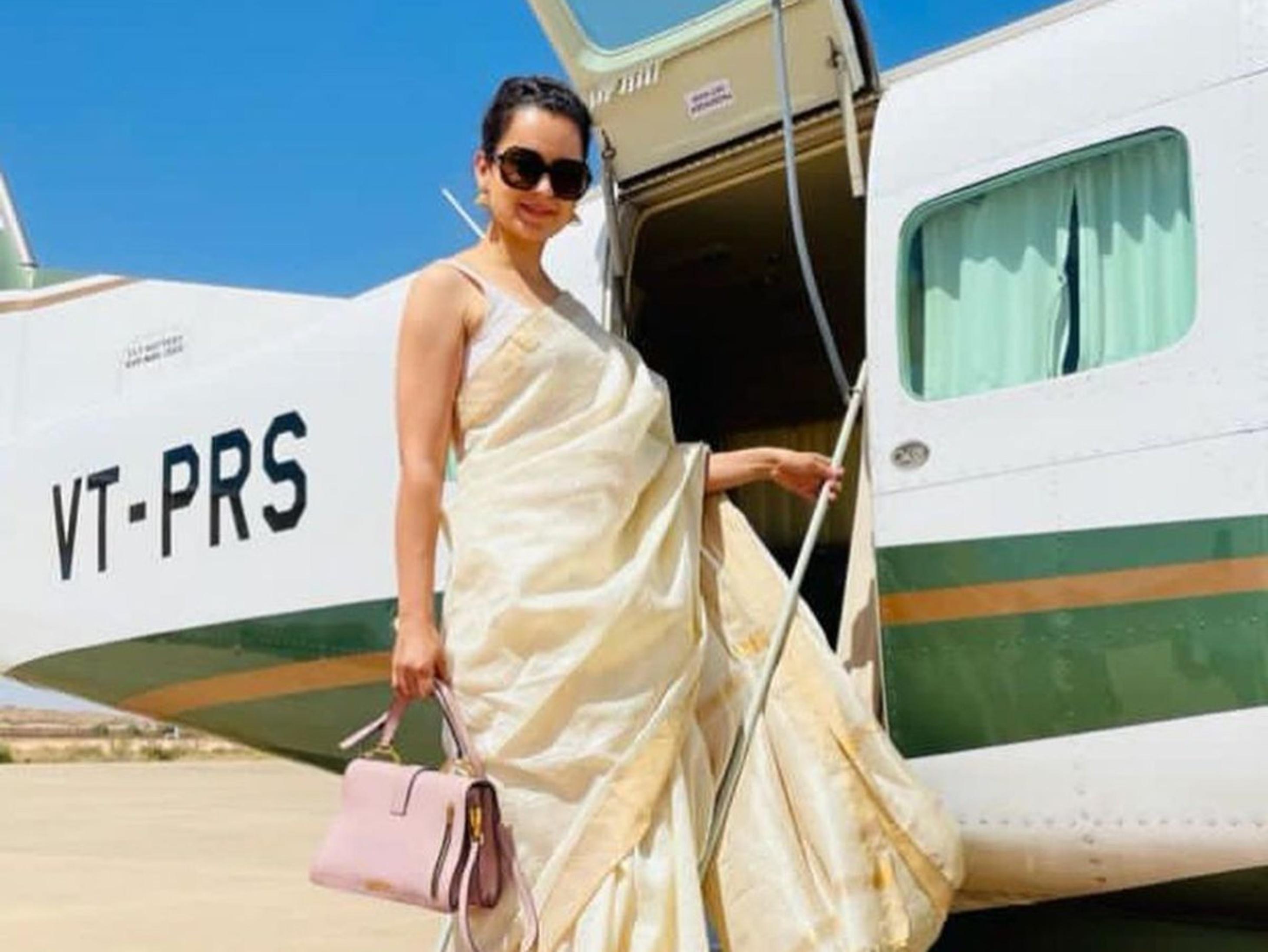 एक्ट्रेस के नाम दर्ज है देशद्रोह की FIR, सितंबर में पासपोर्ट हो जाएगा एक्सपायर लेकिन विभाग ने रीन्यू करने पर उठाई आपत्ति|बॉलीवुड,Bollywood - Dainik Bhaskar
