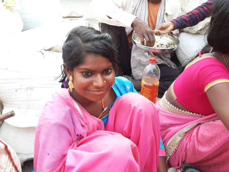 मुरादाबाद के ईंट-भट्ठों और कारखानों में काम करने वाले 50 परिवार बिहार रवाना, बोले- काम मिला तो फिर लौटेंगे|मुरादाबाद,Moradabad - Dainik Bhaskar