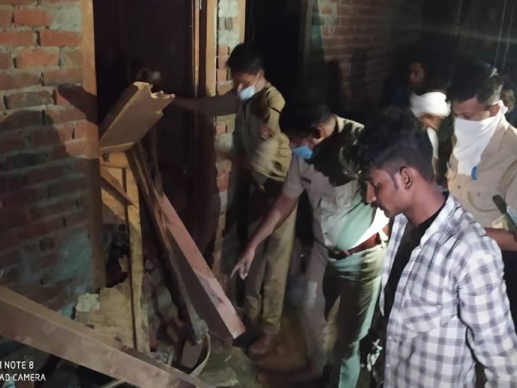 मकान में परिवार के 9 सदस्य थे, मलबे में दबकर 3 की मौत, 4 की हालत गंभीर; रेस्क्यू ऑपरेशन जारी|आगरा,Agra - Dainik Bhaskar
